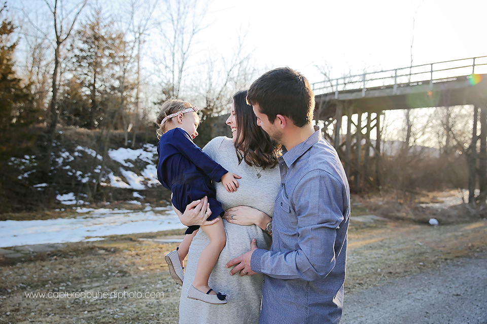 1-central-iowa-maternity-photographer-huxley-desmoines-clive-stortz-captured-by-heidi-photography.png