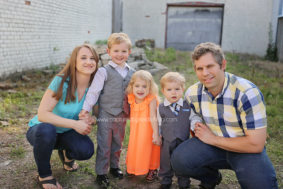 2-central-iowa-family-photographer-huxley-desmoines-long-family.png