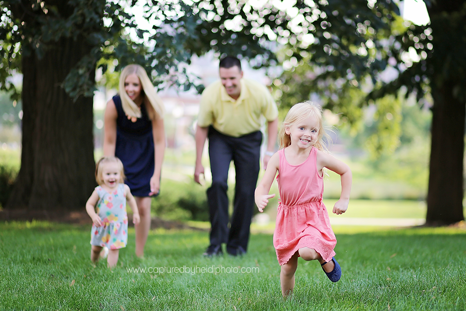 7-central-iowa-family-photographer-huxley-johnston-downtown-desmoines-boege.png