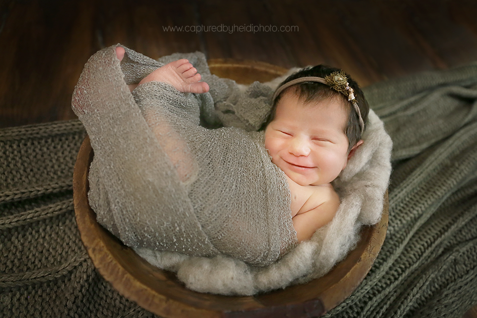 2-central-iowa-newborn-photographer-huxley-urbandale-desmoines-squire.png
