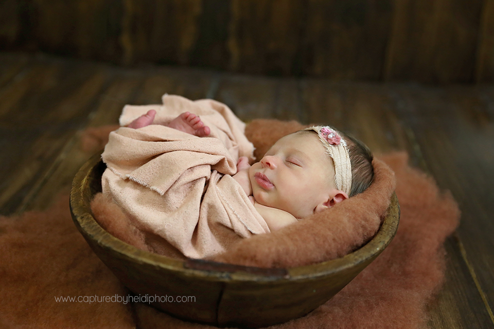5-central-iowa-newborn-photographer-huxley-ankeny-desmoines-johnston-trobaugh.png