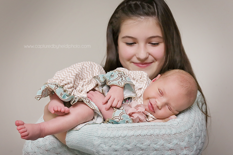 1-central-iowa-newborn-photographer-cbh-photography-huxley-desmoines-ames-doyle.png
