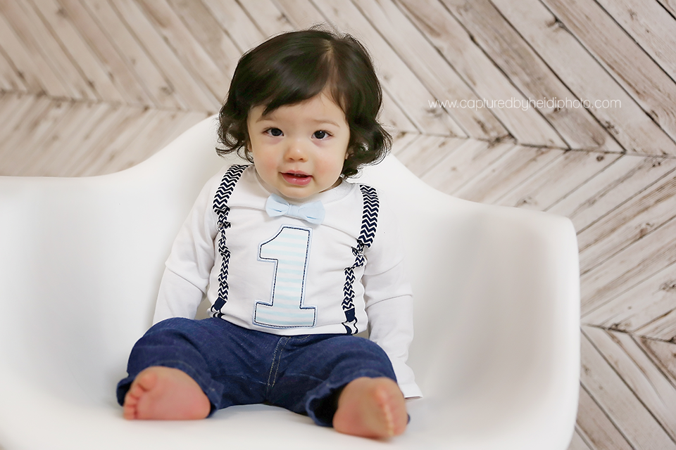 2-central-iowa-baby-photographer-huxley-desmoines-grinnell-cbh-photography-one-year-baby-boy-pictures-lloyd.png