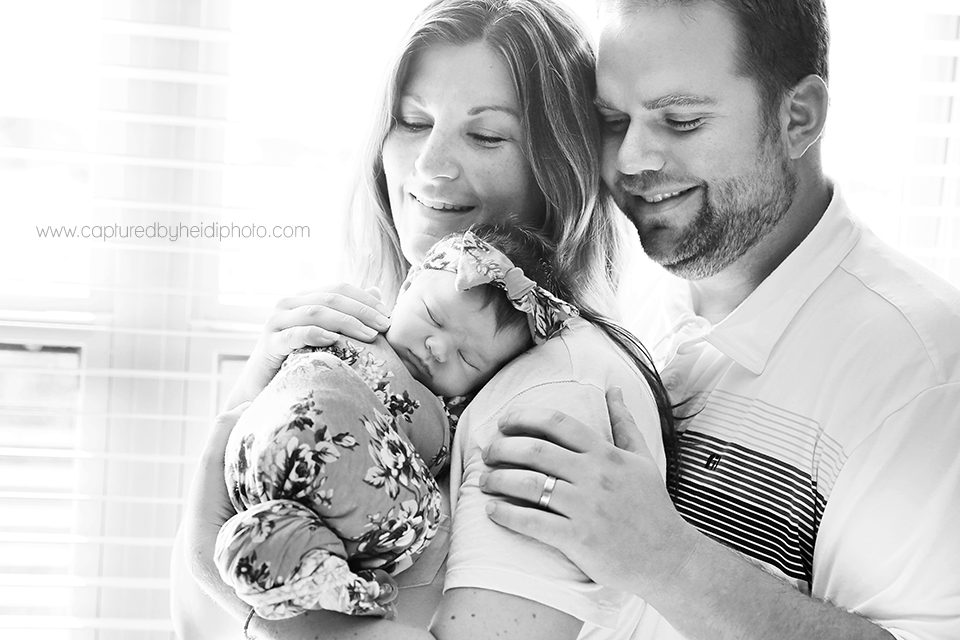 3-central-iowa-newborn-photographer-huxley-desmoines-west-desmoines-waukee-kelly-krause.png