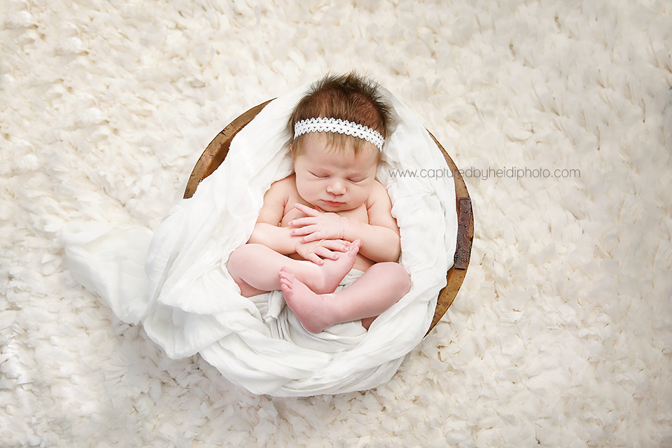 7-central-iowa-newborn-photographer-huxley-desmoines-west-desmoines-waukee-kelly-krause.png