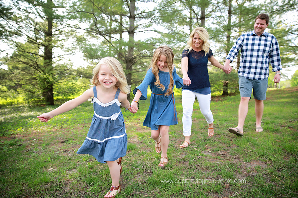 1-central-iowa-family-photographer-huxley-ames-moore-memorial-park-michelle-tom-doyle.png