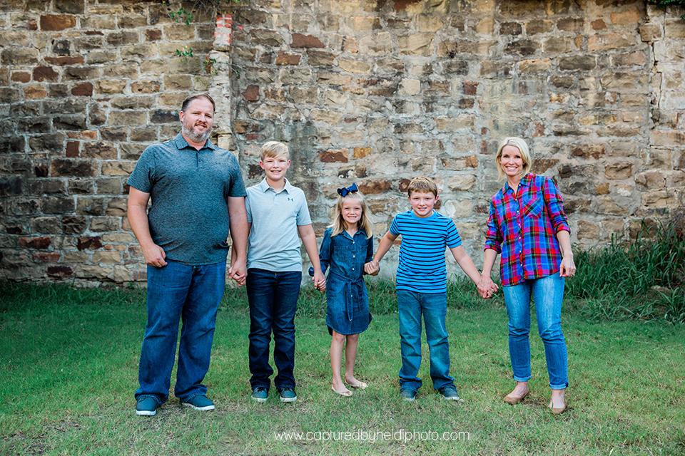 2 central iowa family photographer captured by heidi hicks.jpg