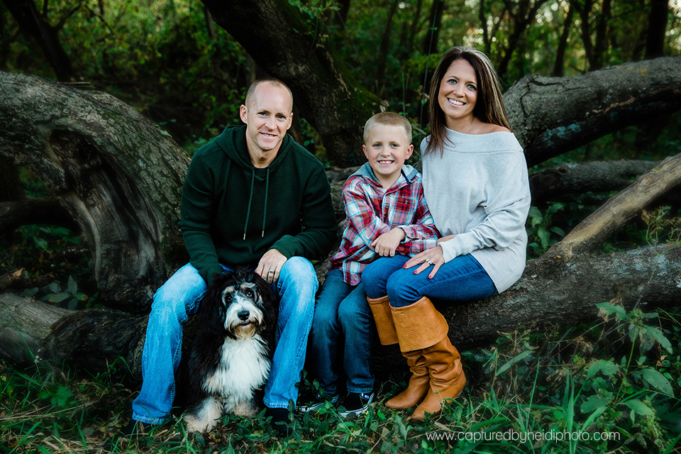 2 central iowa family photographer captured by heidi hicks ames desmoines ankeny bri laughlin.jpg