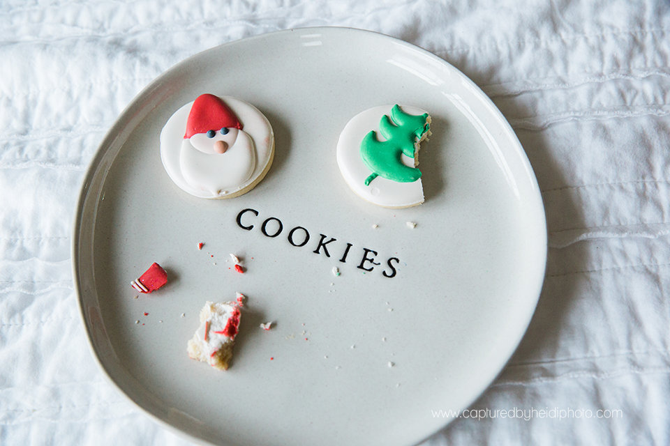 14 central iowa family photographer huxley desmoines ankeny captured by heidi hicks yume cookies christmas minis pajamas santa milk cookies.jpg