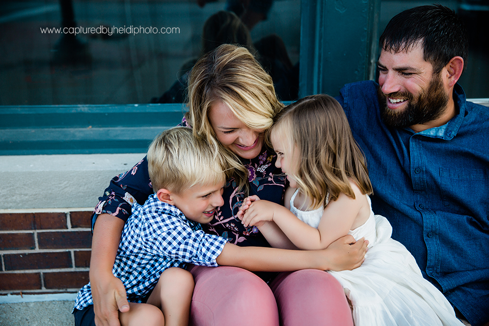 4 central iowa family photographer captured by heidi hicks ames ankeney desmoines kristyn nobiling.jpg