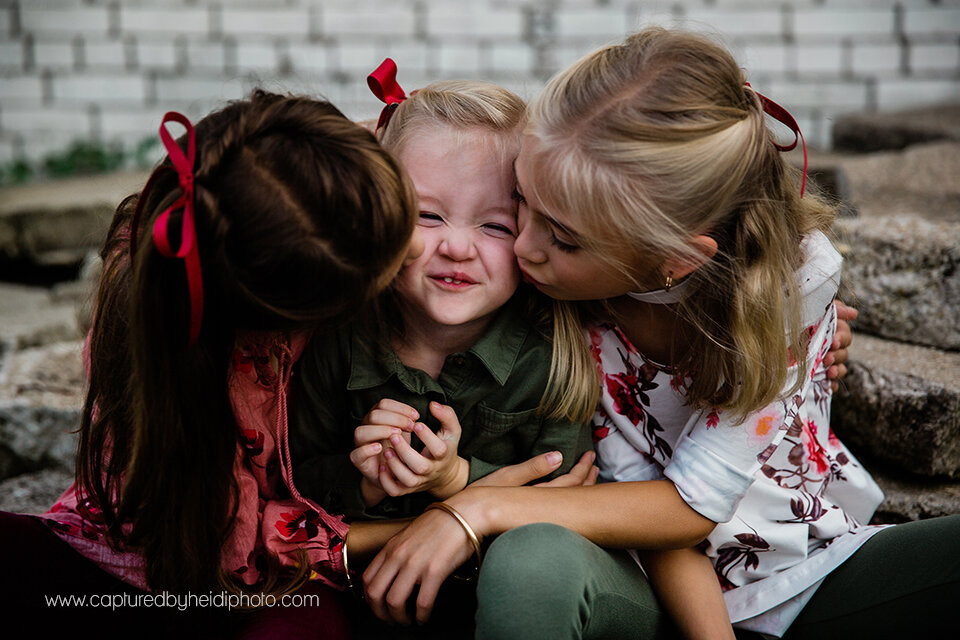 5 central iowa family photographer huxley ames ankeny desmoines captured by heidi hicks spencer katie esslinger.jpg