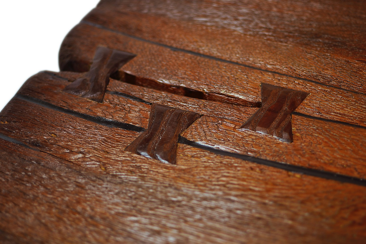 Etz & Steel Shark Tooth Live Edge Dining Table Close Up