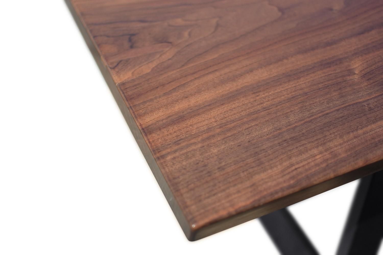 Etz & Steel Saturn Live Edge Table Close Up 1.jpg