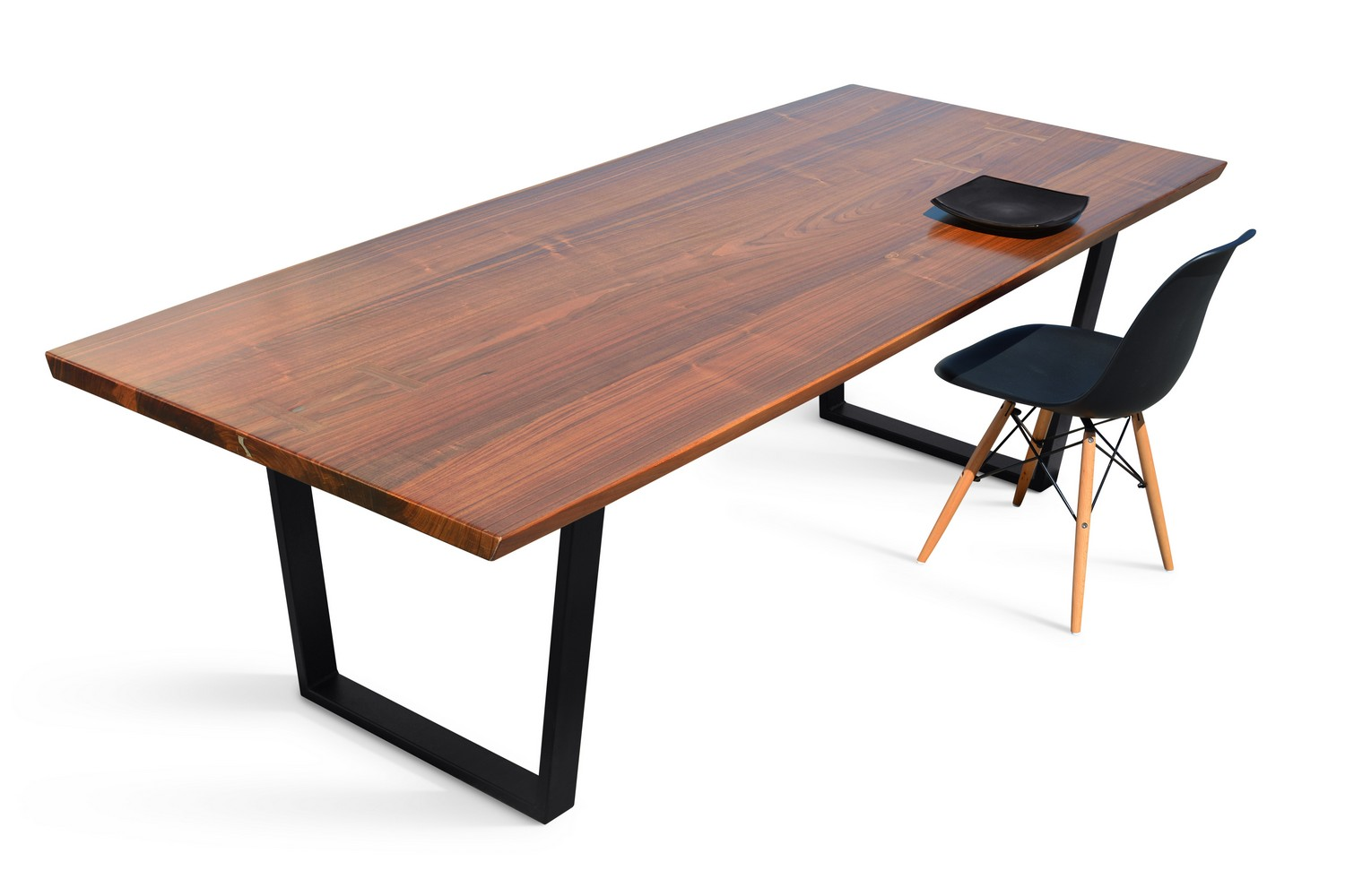 Etz & Steel Viceroy Live Edge Table Black Base Dining Example 1.jpg