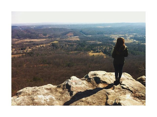 """""""The evidence for the benefits of nature on mental and physical health are numerous. If you spend 90 minutes of your day outside in a wooded area, there will be a decrease of activity in the part of your brain typically associated with depression. Spending time in nature not only reduces blood pressure, anxiety, and increases happiness, but it reduces aggression, ADHD symptoms, improves pain control, the immune system, and—per a summary of research regarding the health benefits of nature—there's much more we don't know and are figuring out every day."""" _________ Link in bio if you want to learn more about these new studies of doctors in Scotland who are prescribing nature to their patients. _______ #nature #naturephotography #naturalremedies #naturopathicdoctor #naturopathicmedicine #mentalhealth"""