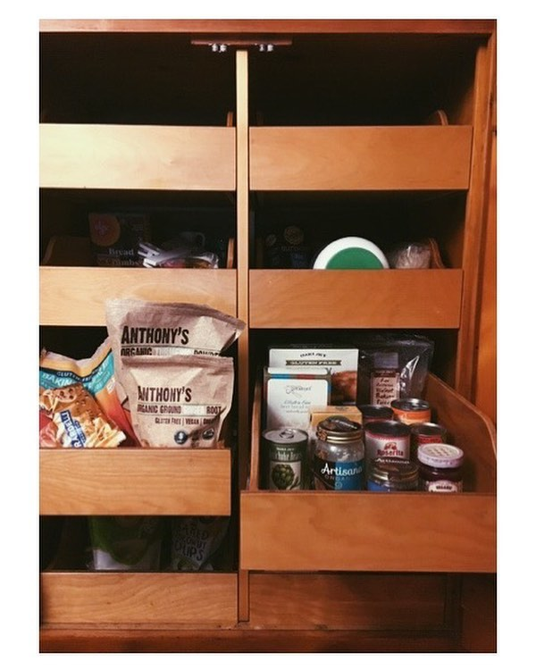 **END OF YEAR PANTRY CLEAN-OUT CHALLENGE** It's coming to the end of the year and the temptation is creeping in to eat out for every meal. As calendars fill up with parties and school functions and work events, it feels impossible to cook on top of all of that! That's exactly why I want to challenge you to stay in the healthy mindset and take inventory of what you have and get creative! Share your simple innovative recipes and we will share ours! Let's make the end of the year count. And just think…using items you already have frees up money in your holiday budget!  _______ #pantrycleanout #emptyyourfreezer #wastenot #wantnot #zerowaste #healthyeating #moneysavingtips