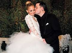 Nicole Richie had her children name embroidered in the lace of her gown.
