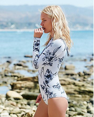 Oh hey sweet n sexy spring suit from   Free People