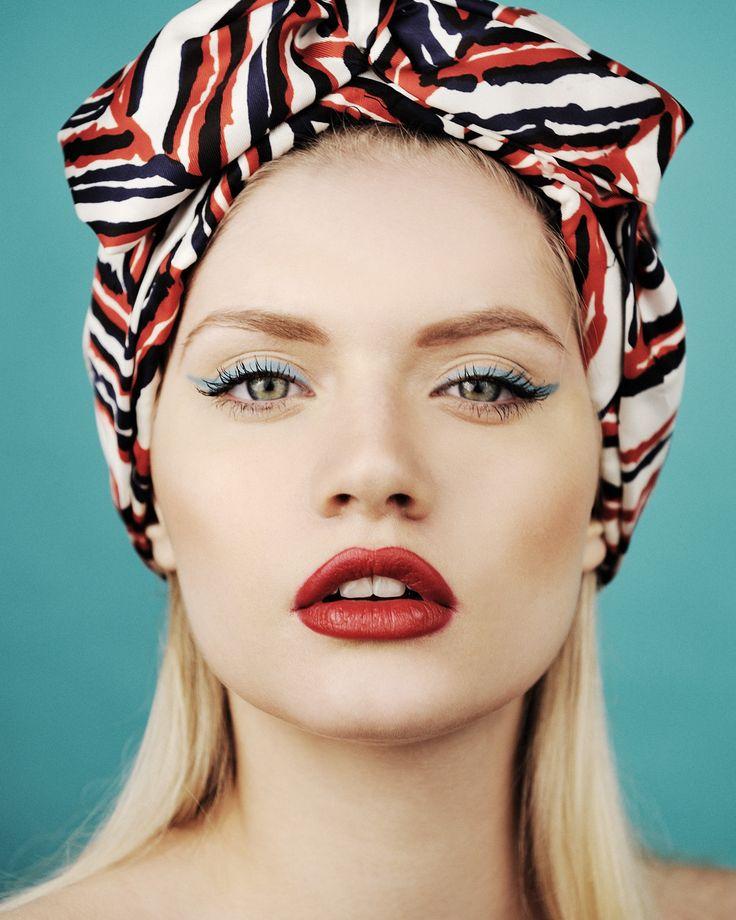 light-blue-eyeliner.jpg