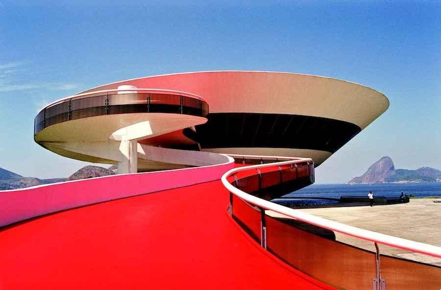 Museum of Modern Art in Niteroi -  e-architect.co.uk