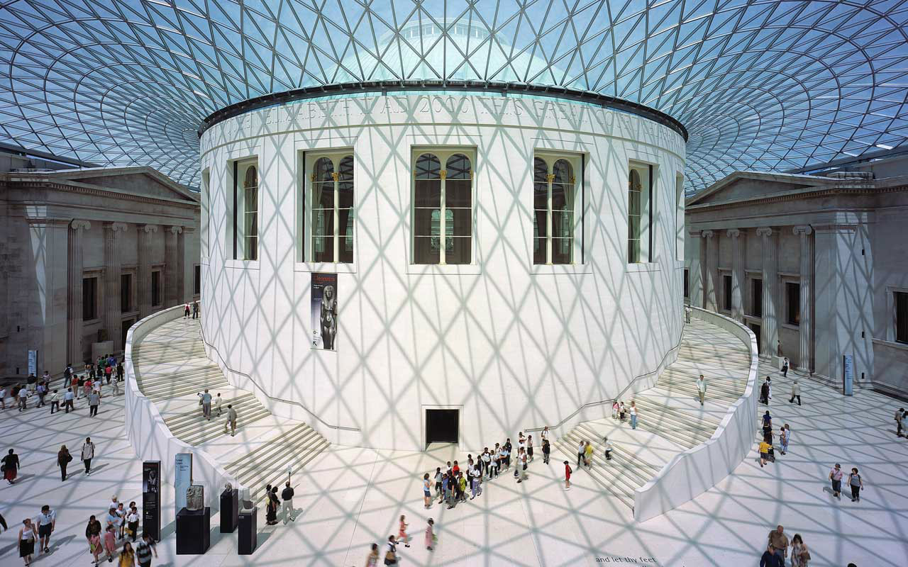British Museum, London - We especially love the central atrium space enclosed with a magical floating geometric glass roof by Norman Foster.  A great example of new and old co-existing, each the better for the presence of the other.  Quiet, beautiful and strong.photo: Arch2o.com