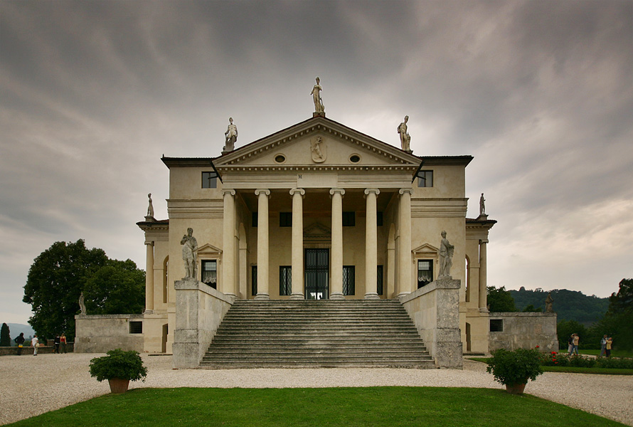 Villa Rotonda, outside of Vicenza, Italy - Architect, Andrea Palladiophoto: Wikipedia.com