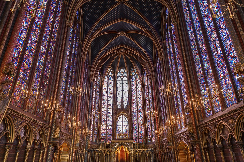 Sainte Chapelle, Paris - Architect, Pierre de Montreuilphoto: Pixabay.com