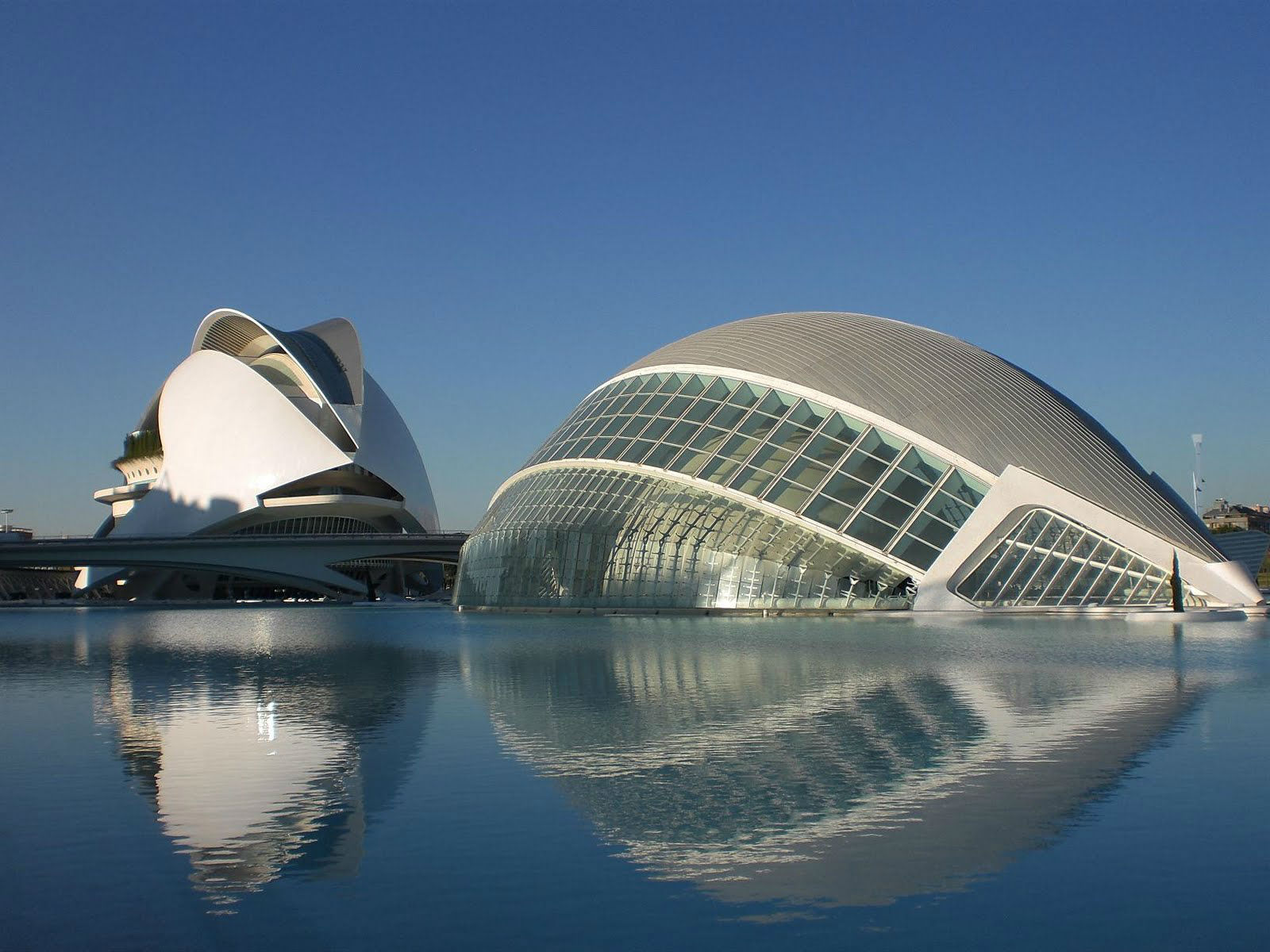 City of Arts and Sciences, Valencia - Architect, Santiago Calatravaphoto: Arch2o.com