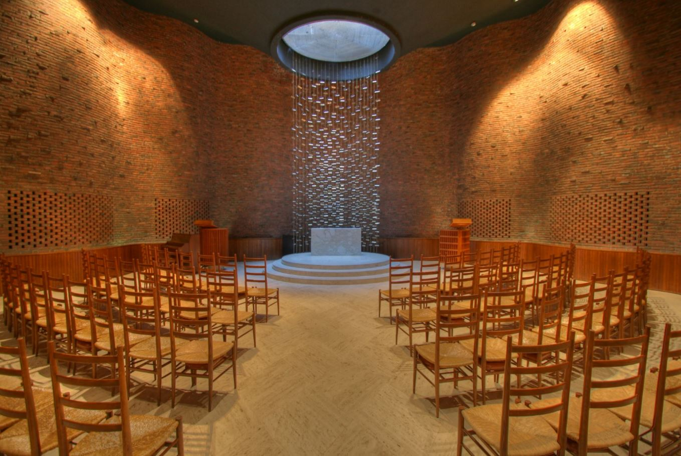 Kresge Chapel, MIT - Architect, Eero Saarinenphoto: archgened.oucreate.com
