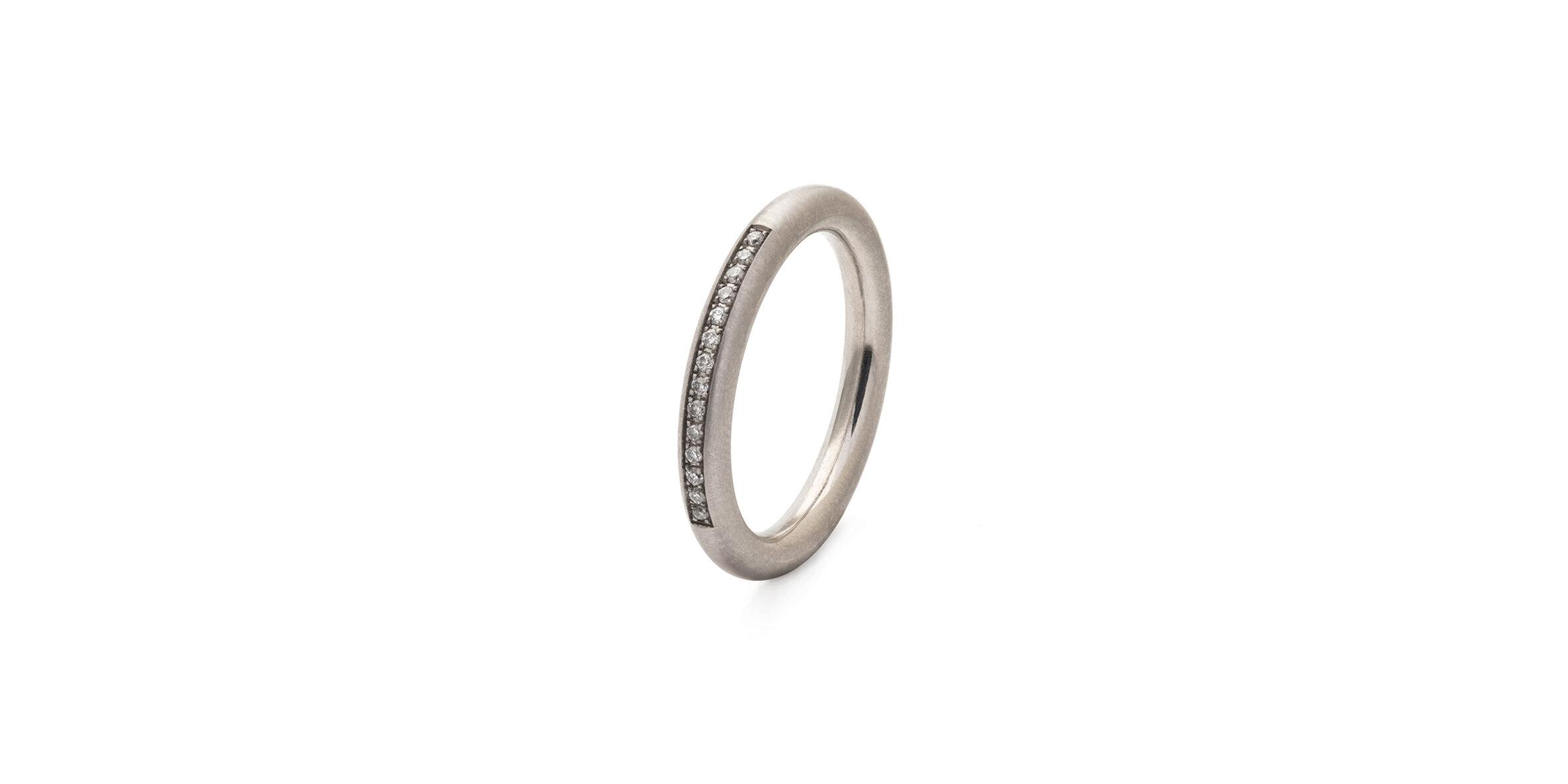 Round Pavé Ring