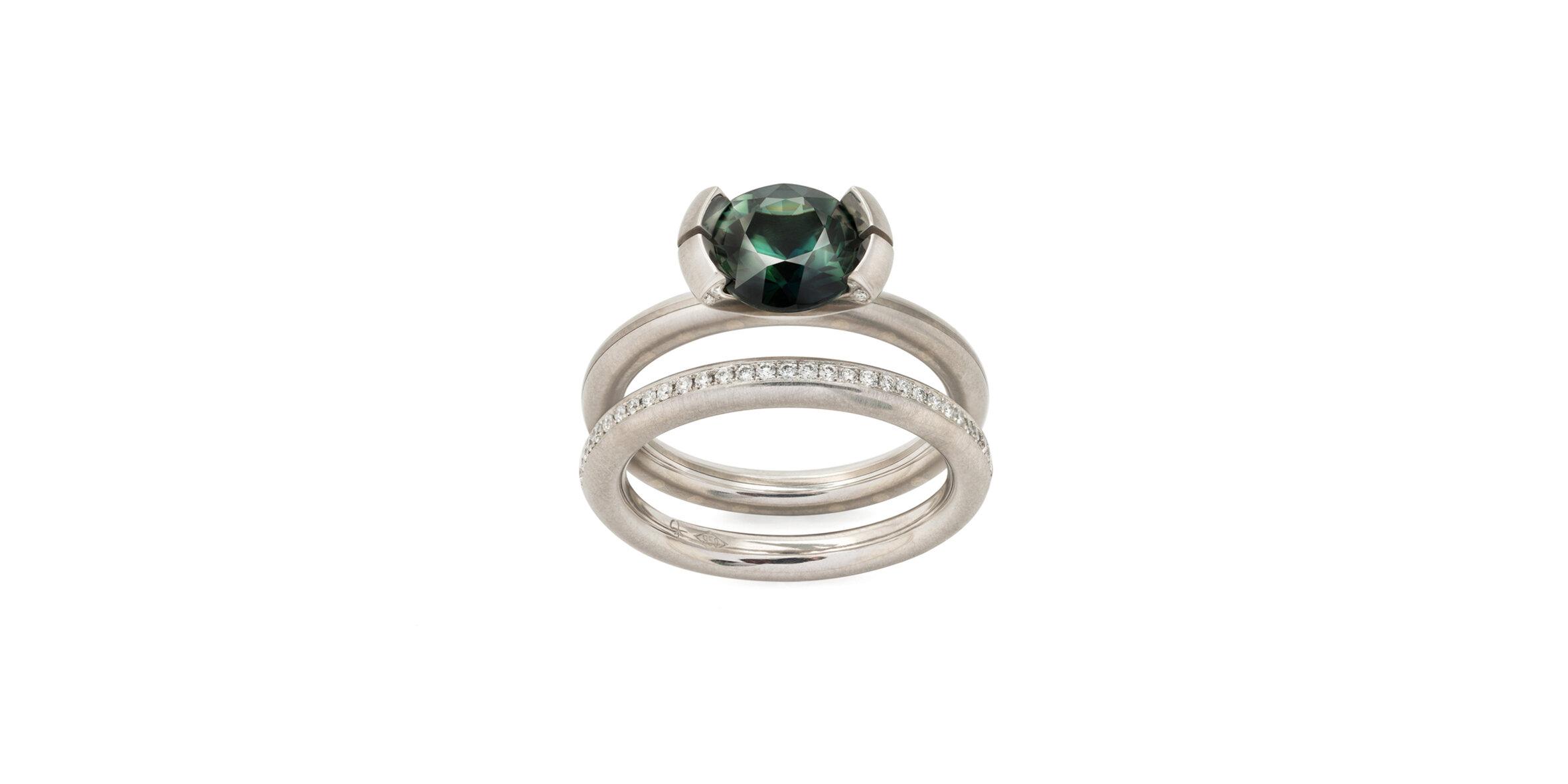 Custom Solitaire ring + Round Pavé Wedder