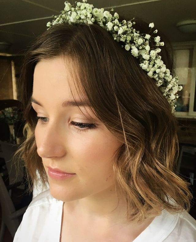 Natural makeup and hair for this stunner of a bride #renaemichelmakeup ⠀ ⠀ #weddinghair #wedding #weddingdress #bride #weddingmakeup #weddingday #makeup #bridalhair #weddingphotography #bridal #hair #hairstyle #weddinginspiration #bridalmakeup #love #makeupartist #mua #weddinginspo #hairstyles #weddings #hairstylist #weddingideas #beauty #bridetobe #weddingflowers #photography #bridesmaids #weddingplanning