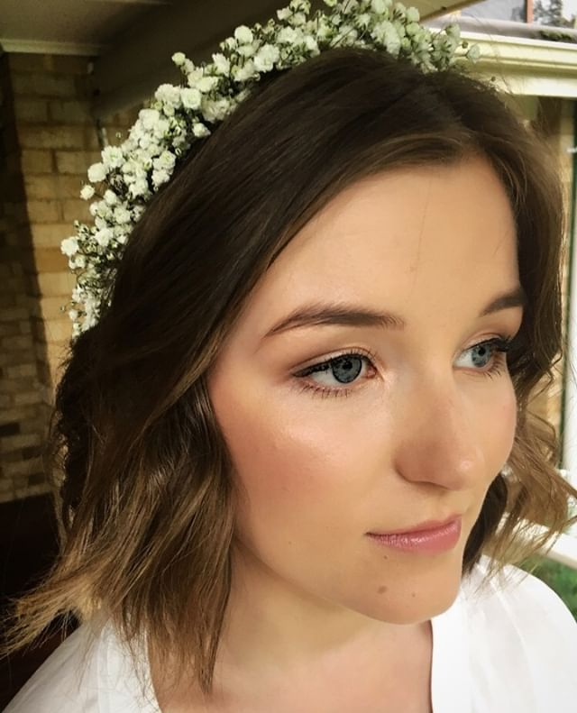 Relaxed waves and soft natural makeup. My favourite wedding looks. ⠀ ⠀ #weddinghair #wedding #weddingdress #bride #weddingmakeup #weddingday #makeup #bridalhair #weddingphotography #bridal #hair #hairstyle #weddinginspiration #bridalmakeup #love #makeupartist #mua #weddinginspo #hairstyles #weddings #hairstylist #weddingideas #beauty #bridetobe #weddingflowers #photography #bridesmaids #weddingplanning