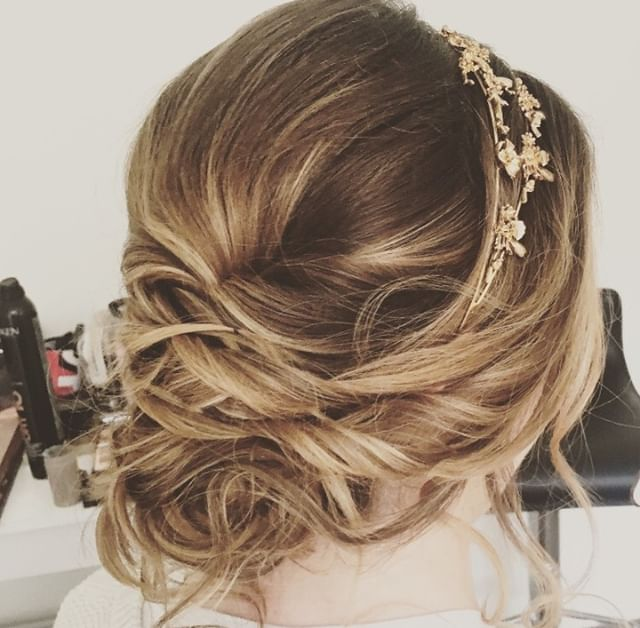 Wedding hair for one of my beautiful brides.⠀ ⠀ #hairstyle #hair #style #wedding #weddinghair #bride #bridemaids #fashion #makeup #haircut #love #beauty #hairstyles #me #instagram #girl #beautiful #look
