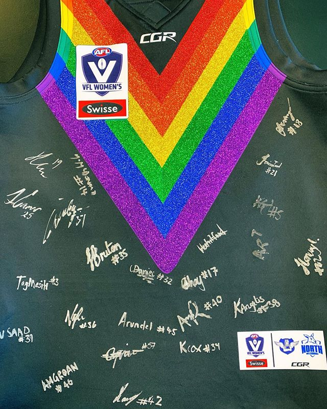 Get your hands on our one of a kind glitter fully team signed pride jumper! LINK IN OUR BIO. All funds go to the club 🖤💙 BID NOW ✨🌈