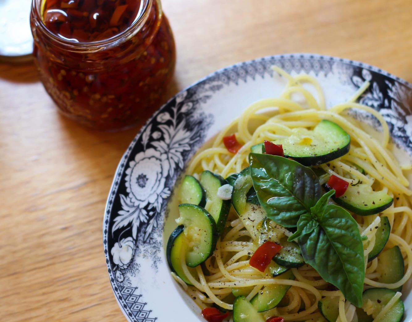 Garlicky Zucchini Spaghetti