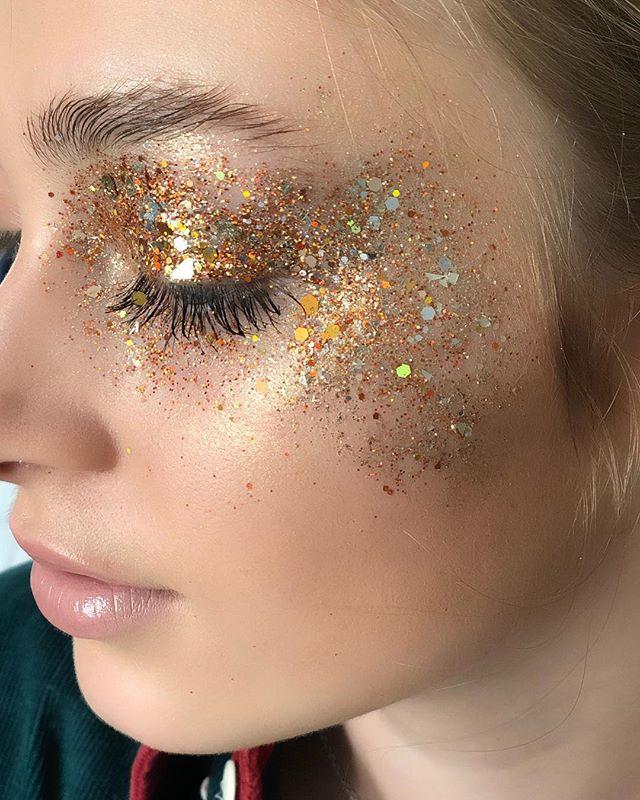 ✨ can't wait for this shoot to come out ✨ #behindthescenes using @dream_sqns_glitter, @maccosmetics & @swiitchbeauty! #kellifuchsmakeup • • #makeup #makeupartist #glitter #glitterbomb #beauty #beautymakeup #beautyguru #beautygram #makeupdolls #makeupgeek #undiscoveredmuas #makeuponfleek