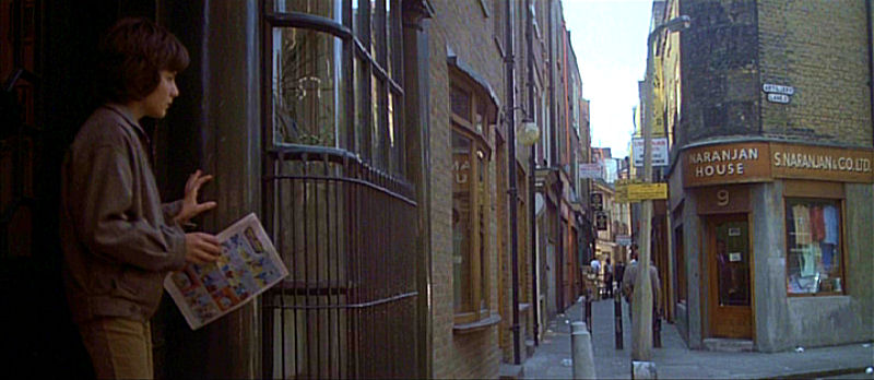 Artillery Passage is very atmospheric and is one of many areas of Spitalfields popular with film-makers. Here it is as featured in  Omen III: The Final Conflict(1981)
