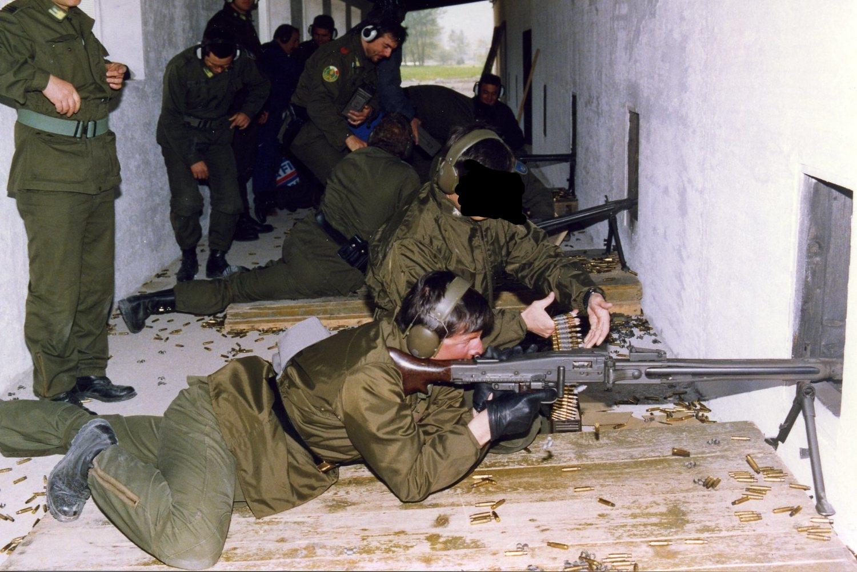 1992 140f.jpg
