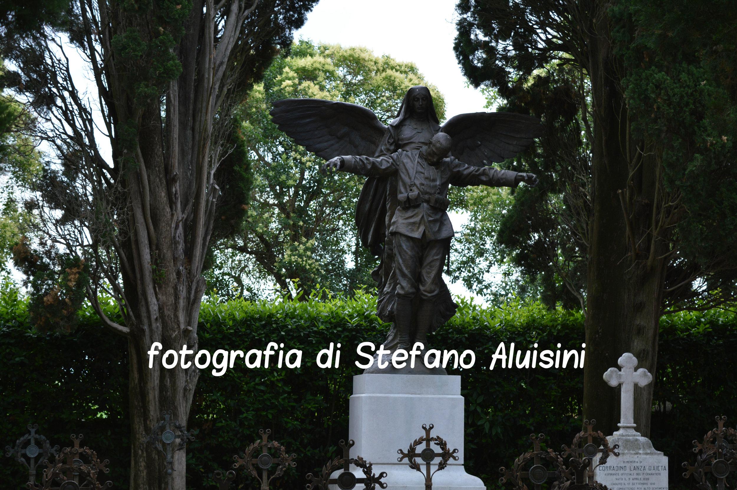 """L'imponente statua della """"Carità"""" di Ettore Ximenes ad Aquileia)"""