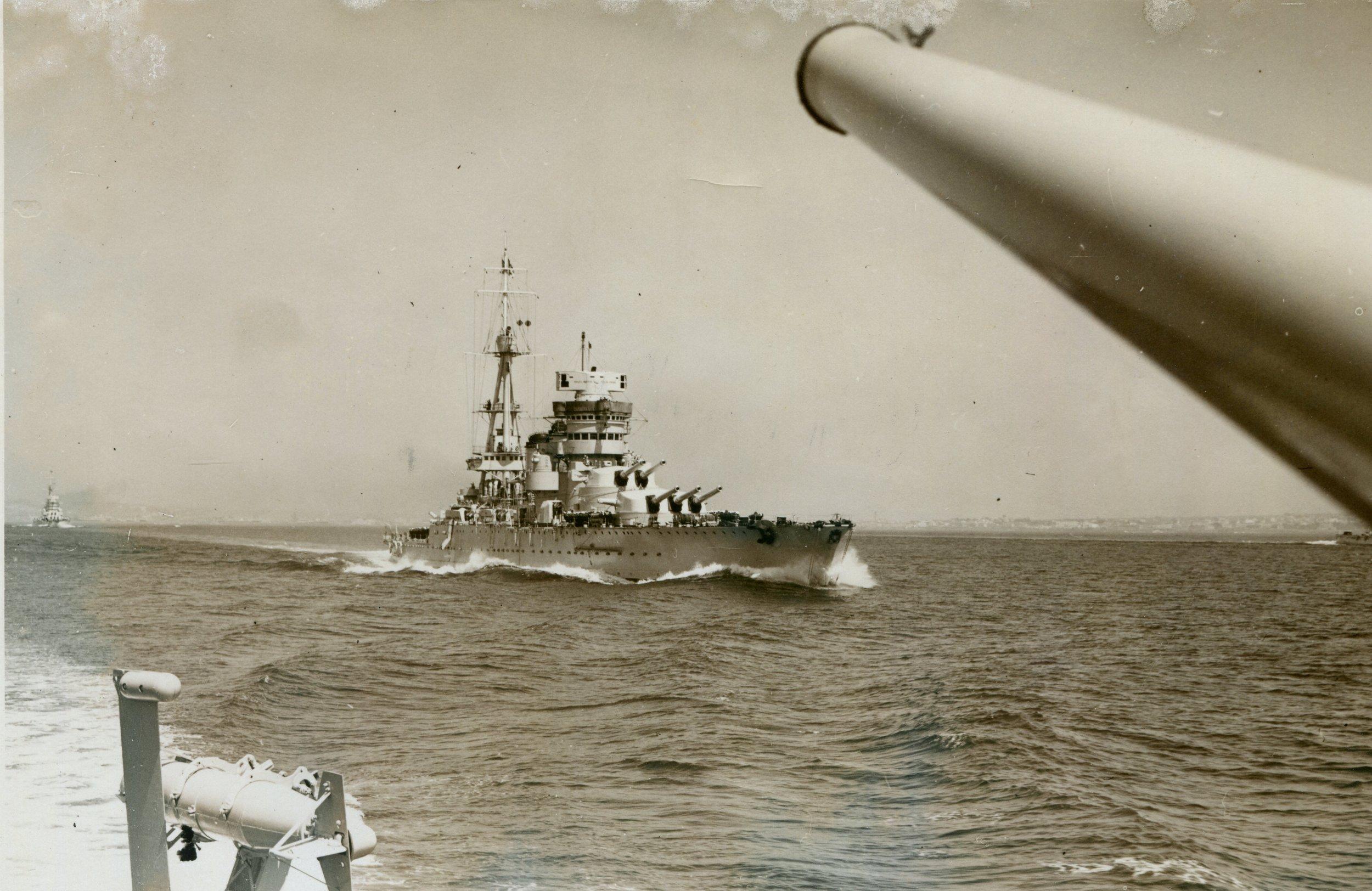 conte di cavour rivista navale napoli 5 5 1938  (c).jpg