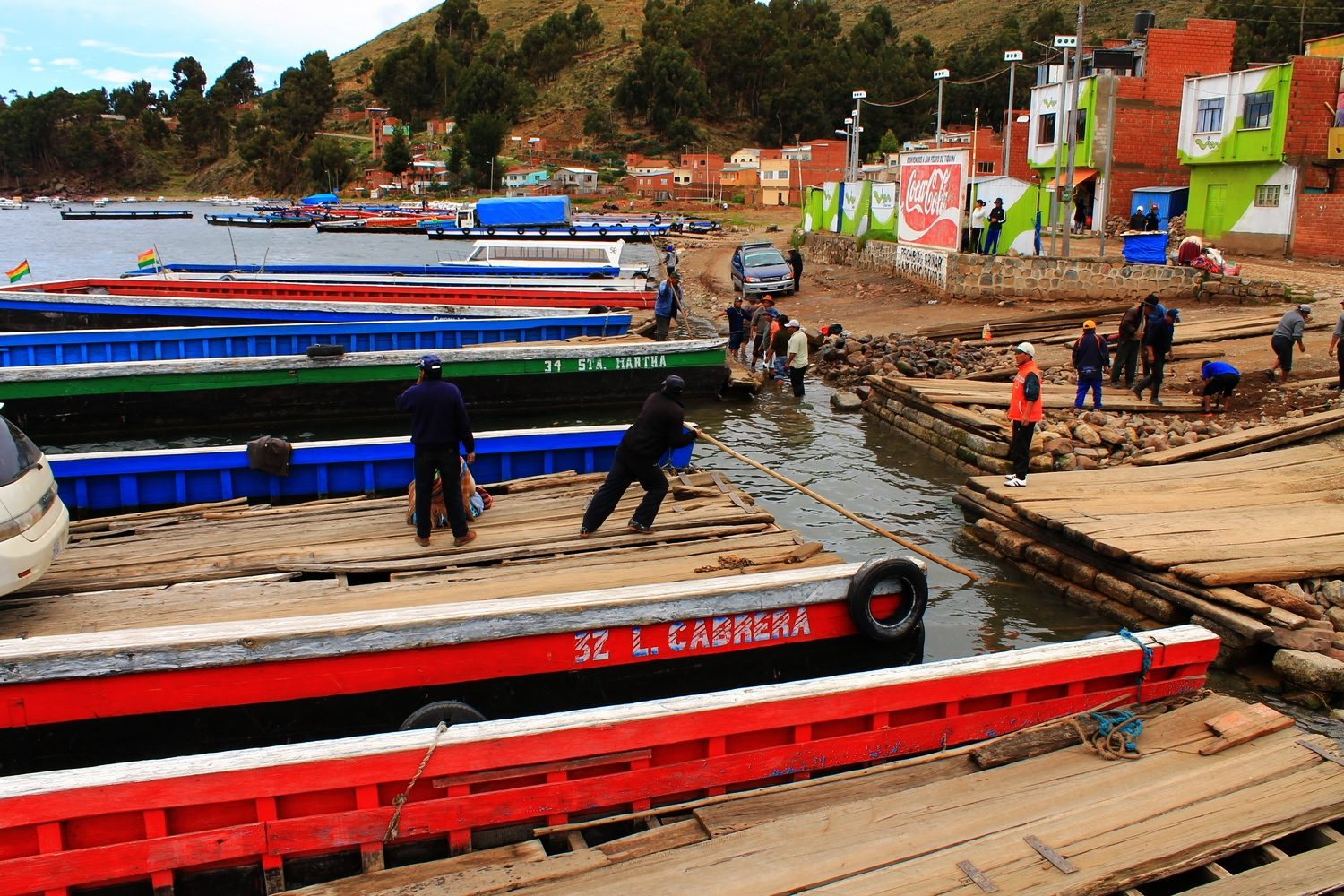 lake titicaca bolivia backpackers travel guide isla del sol ferry budget