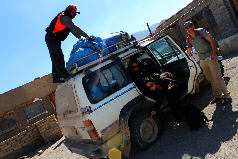uyuni salt flat tour bolivia travel guide backpacker budget