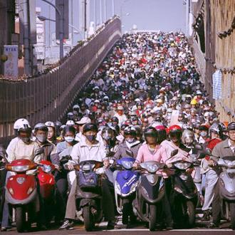 scooter traffic vietnam travel guide