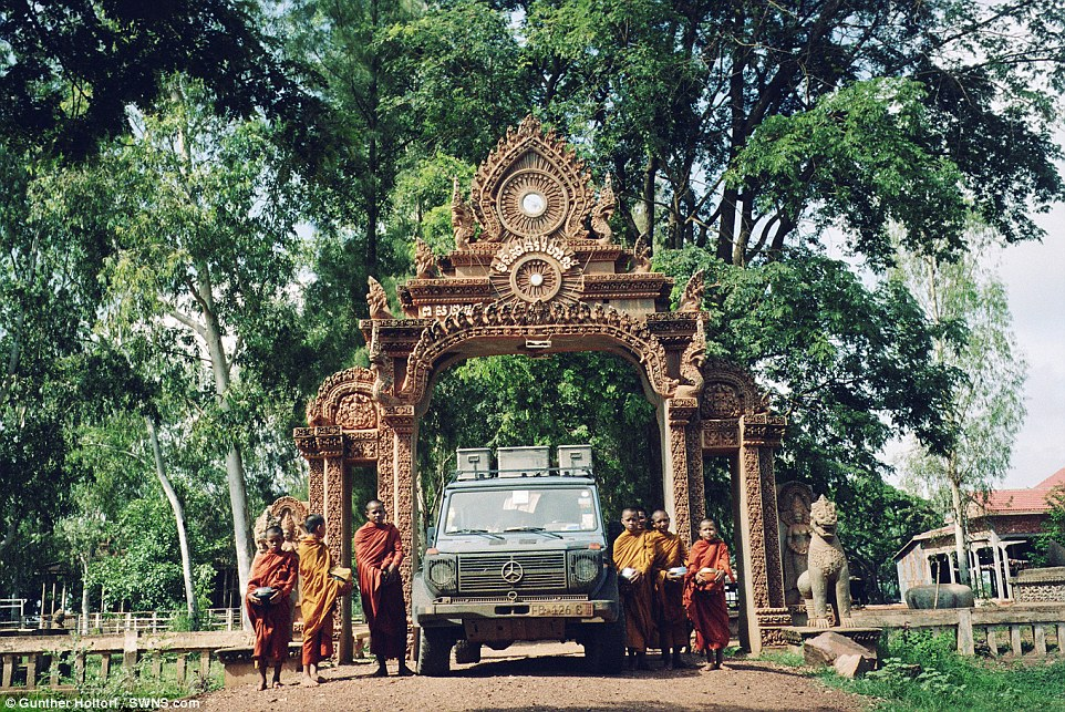 In 2007 the couple drove to Thailand.