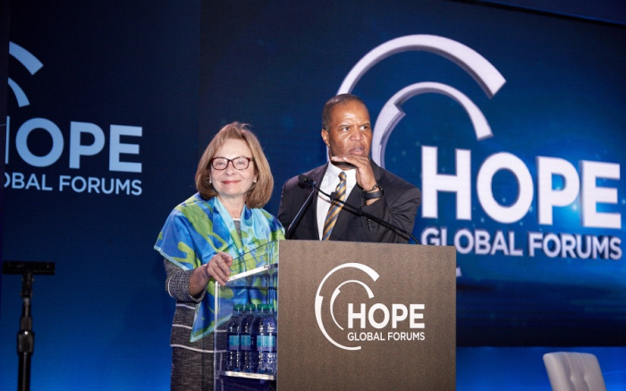 cit-chairwoman-and-ceo-ellen-alemany-with-operation-hope-founder-and-ceo-john-hope-bryant-announcing-the-launch-grow-small-business-serie.jpg
