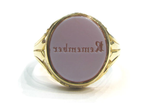 Victorian 15k gold and agate seal ring, at Gray & Davis