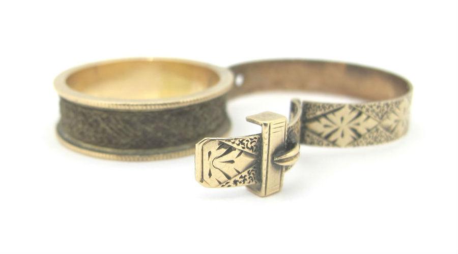 Victorian 15k gold buckle locket ring, at G&D.