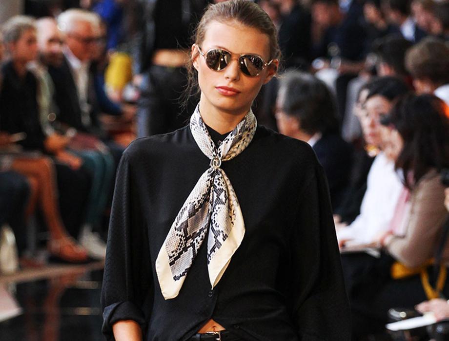 trussardi_scarf_ring_glasses.jpg