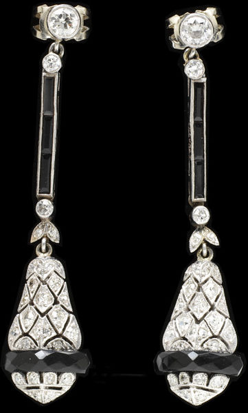 French Earrings c. 1920 - 1930, Victoria & Albert Museum